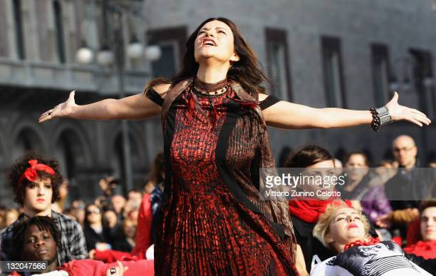 Singer Laura Pausini filming for 'Non ho mai smesso' music video in Piazza Duomo on November 10 2011 in Milan Italy