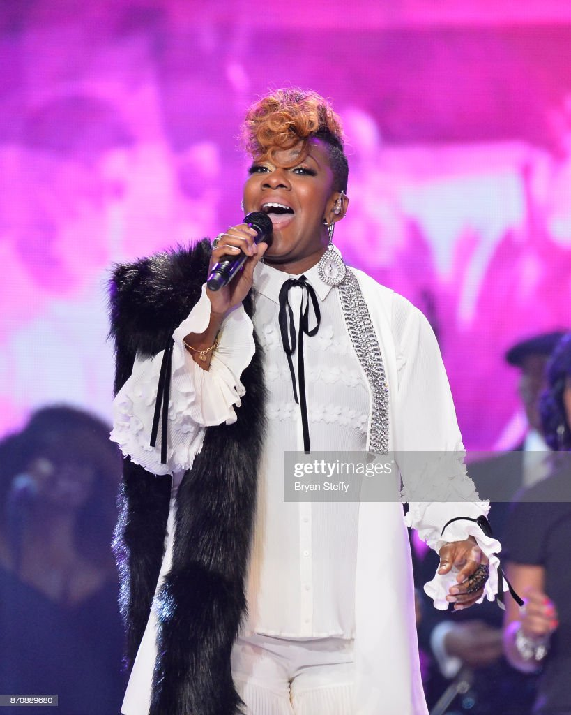 Singer Le'Andria Johnson performs during the 2017 Soul Train Music Awards at the Orleans Arena on November 5, 2017 in Las Vegas, Nevada.