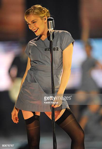 "Singer LeAnn Rimes performs ""Nothin' Better To Do"" onstage during the 2008 CMT Music Awards at the Curb Event Center at Belmont University on April..."