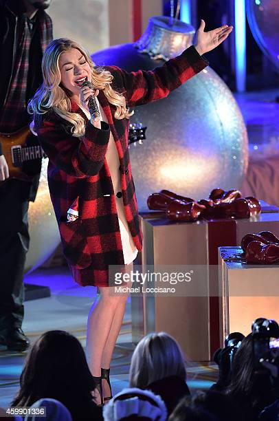 Singer LeAnn Rimes performs on stage at the 82nd annual Rockefeller Christmas Tree Lighting Ceremony at Rockefeller Center on December 3 2014 in New...