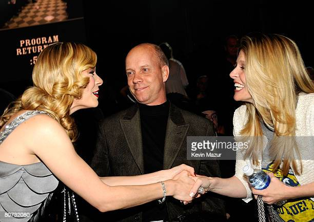 NASHVILLE TN APRIL 14 Singer LeAnn Rimes tv personality Scott Hamilton and Tracie Hamilton seen backstage during the 2008 CMT Awards at Curb Event...