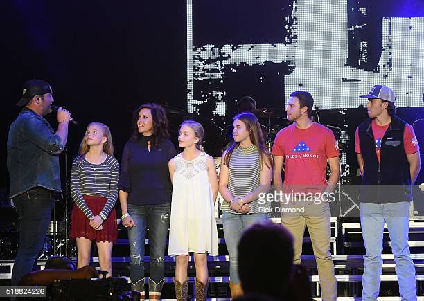 Singer Lee Brice with guests Boston Gilbert Ginger Gilbert Ravella Bella Gilbert Ravella Annalise Gilbert Ravella Aspen Gilbert Ravella and Greyson...