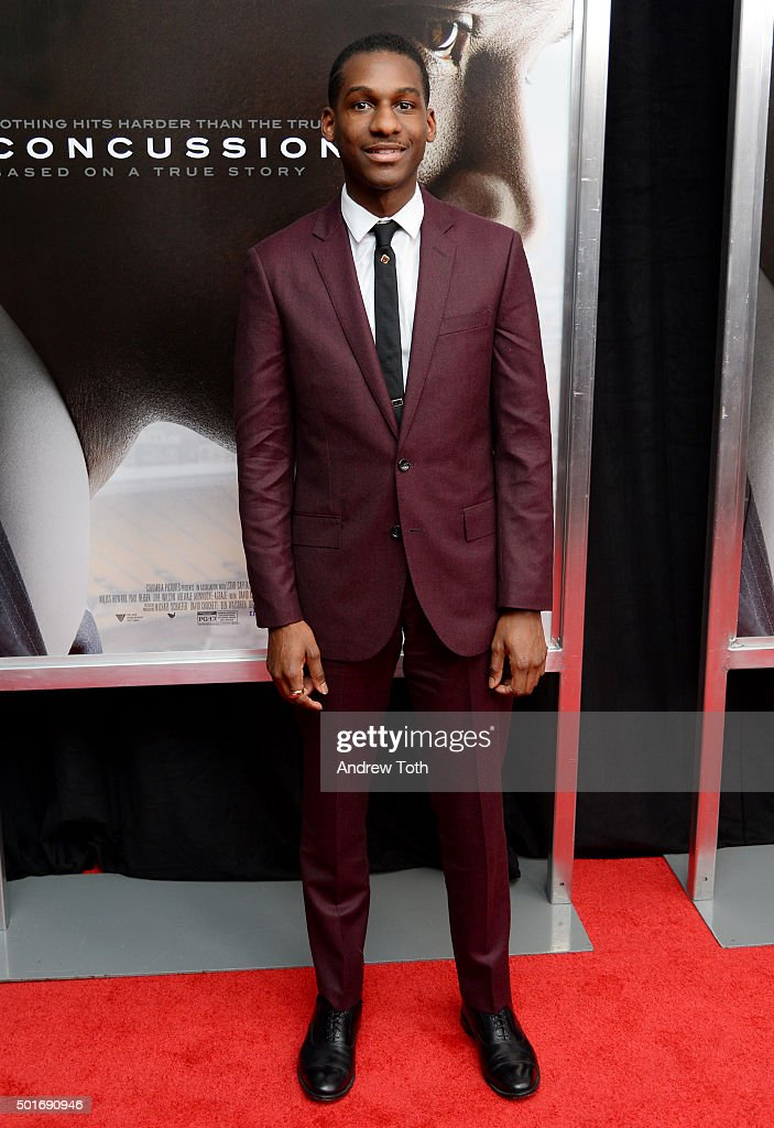 Singer Leon Bridges attends the 'Concussion' New York premiere at AMC Loews Lincoln Square on December 16, 2015 in New York City.