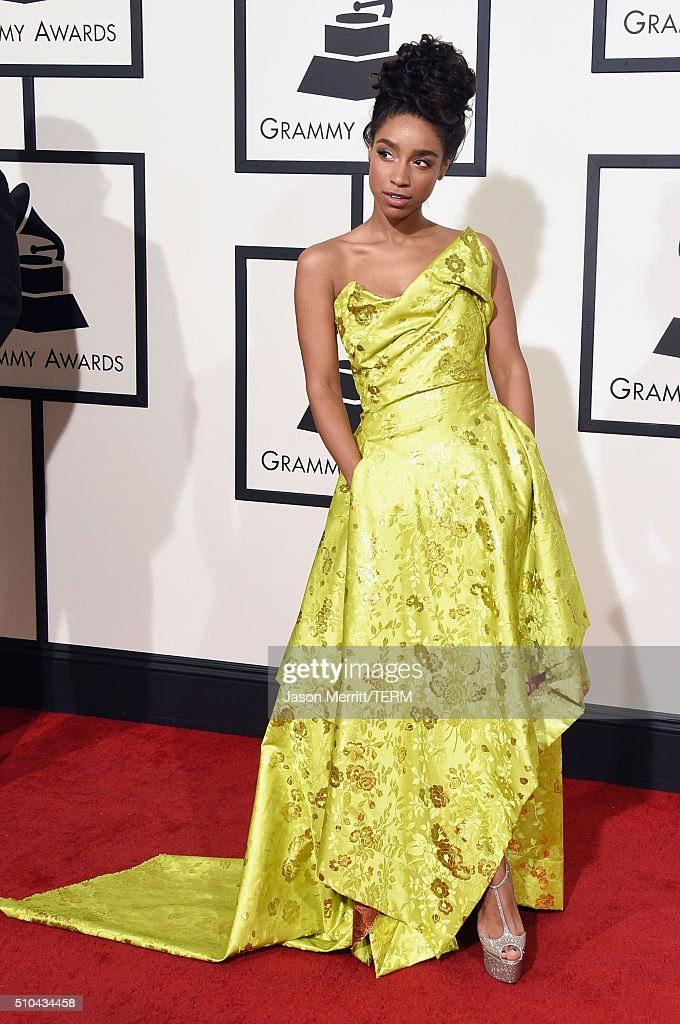 The 58th GRAMMY Awards - Arrivals : News Photo