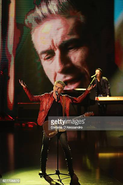 Singer Ligabue performs live during 'Che Tempo Che Fa' Tv Show on December 4 2016 in Milan Italy