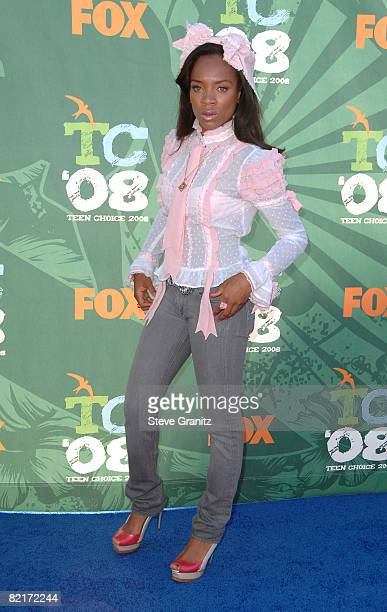 Singer Lil Mama arrives at the 2008 Teen Choice Awards at Gibson Amphitheater on August 3, 2008 in Los Angeles, California.