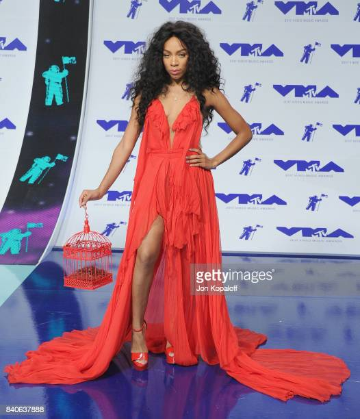Singer Lil Mama arrives at the 2017 MTV Video Music Awards at The Forum on August 27 2017 in Inglewood California