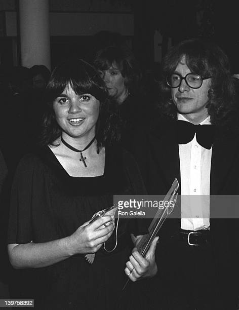 Singer Linda Ronstadt attends 18th Annual Grammy Awards on February 28 1976 at the Shrine Auditorium in New York City
