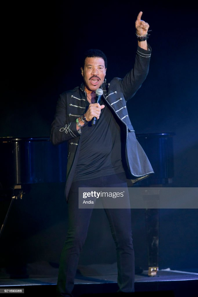 Singer Lionel Richie on stage. : News Photo