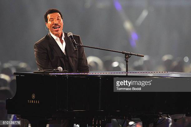 Singer Lionel Richie peforms on stage during the 2016 MusiCares Person Of The Year at Los Angeles Convention Center on February 13 2016 in Los...