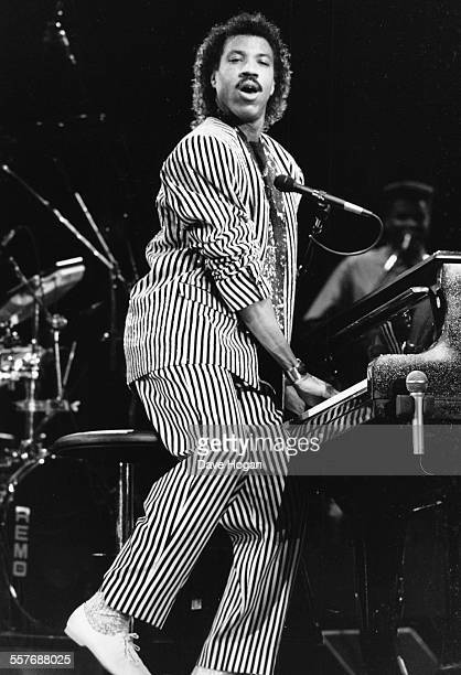 Singer Lionel Richie performing on stage at the NEC in Birmingham, March 16th 1987.