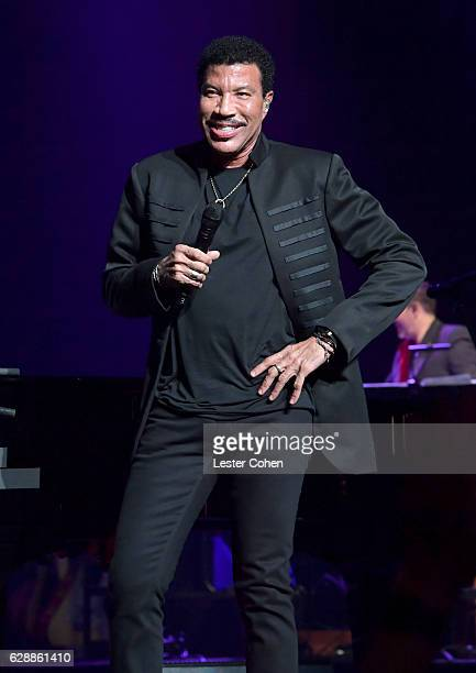 Singer Lionel Richie performs at Stevie's 20th Annual House Full of Toys Benefit Concert at Microsoft Theater on December 9 2016 in Los Angeles...