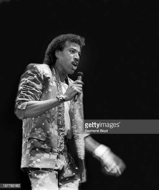 Singer Lionel Richie performs at the Rosemont Horizon in Rosemont Illinois in 1986