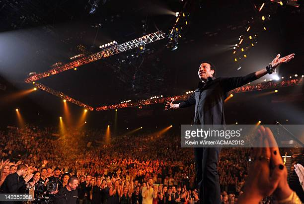 Singer Lionel Richie performs onstage during Lionel Richie and Friends in Concert presented by ACM held at the MGM Grand Garden Arena on April 2,...