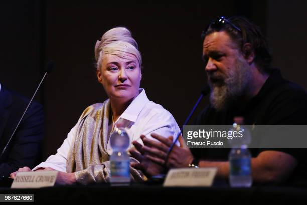 Singer Lisa Gerrard and actor Russell Crowe attend the 'Il Gladiatore In Concerto' presentation at Teatro Euclide on June 5 2018 in Rome Italy