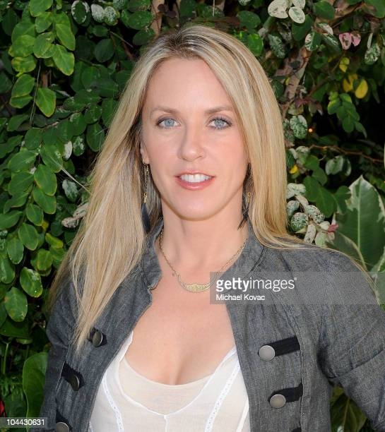 Singer Liz Phair visits Young Hollywood Studios on September 24 2010 in Los Angeles California