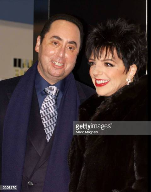 Singer Liza Minnelli and her husband David Gest arrive at Tower Records for an instore appearance to promote her new CD 'Liza's Back' on October 29...