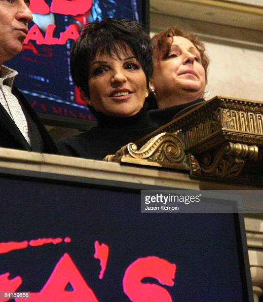 Singer Liza Minnelli attends the New York Stock Exchange closing bell on January 2 2009 in New York City
