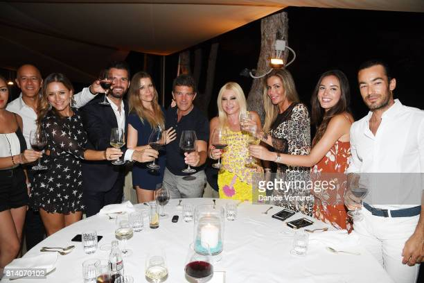 Singer Lola Ponce Andrea Iervolino Nicole Kempel Antonio Banderas Lady Monika Bacardi and Aaron Diaz attend AMBI Media Group Dinner during the 2017...