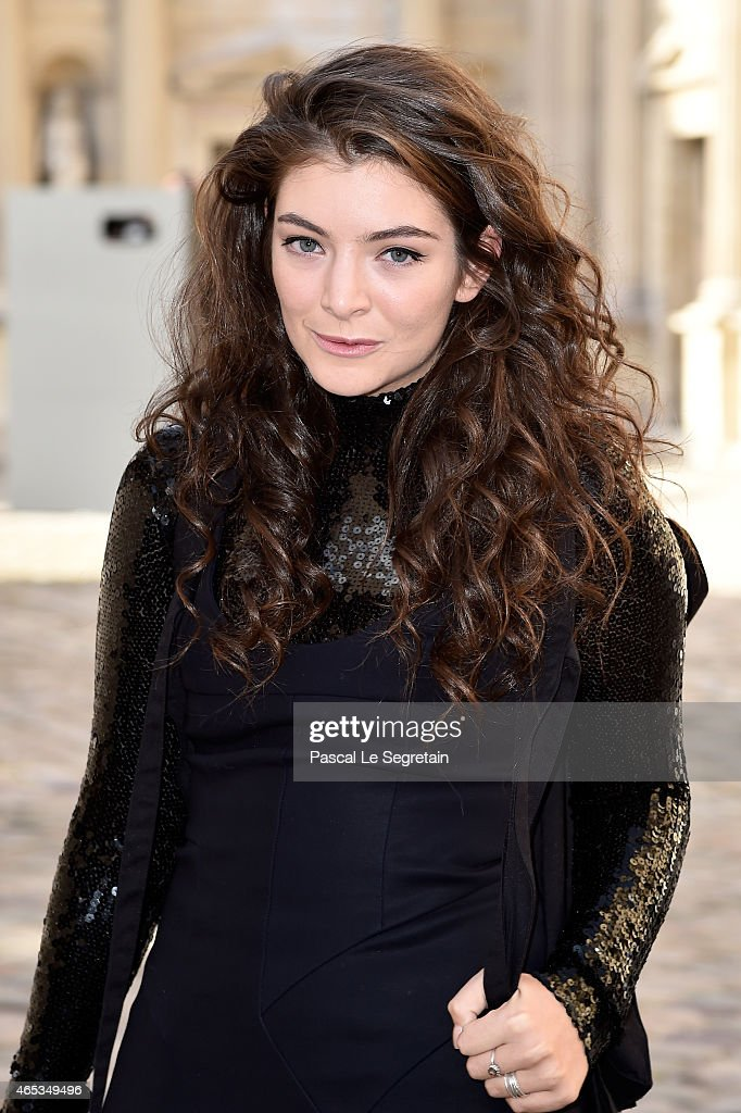 Christian Dior : Outside Arrivals  - Paris Fashion Week Womenswear Fall/Winter 2015/2016