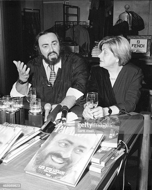 Singer Luciano Pavarotti with first wife Adua on October 5 19992 in New York New York