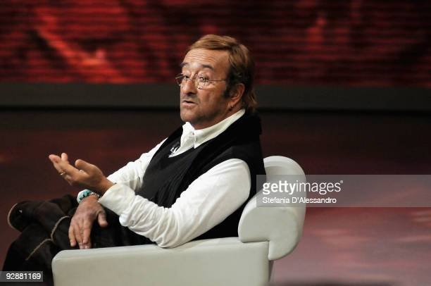 Singer Lucio Dalla performs live during 'Che Tempo Che Fa' italian Tv Show held at Rai Studios on November 7 2009 in Milan Italy