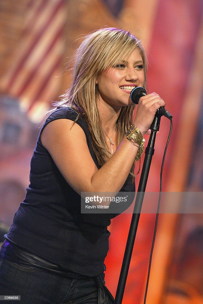 Singer Lucy Woodward Performs On The Tonight Show With Jay Leno : News Photo