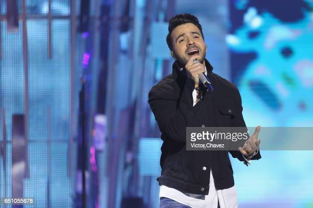 Singer Luis Fonsi performs during the Liverpool Fashion Fest Spring/Summer 2017 at Televisa San Angel on March 9 2017 in Mexico City Mexico