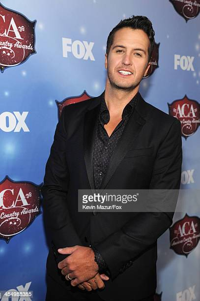 Singer Luke Bryan arrives at the American Country Awards 2013 at the Mandalay Bay Events Center on December 10, 2013 in Las Vegas, Nevada.