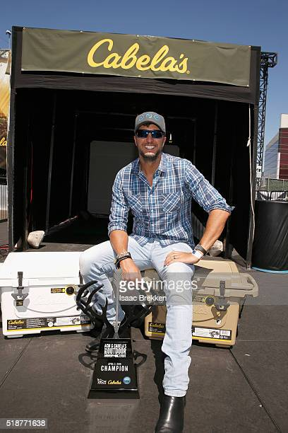 Singer Luke Bryan attends Cabela's Academy of Country Music Celebrity Archery Tournament during the 4th ACM Party for a Cause Festival at at the Las...