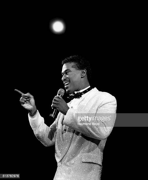 Singer Luther Vandross performs at the Rosemont Horizon in Rosemont Illinois in 1987
