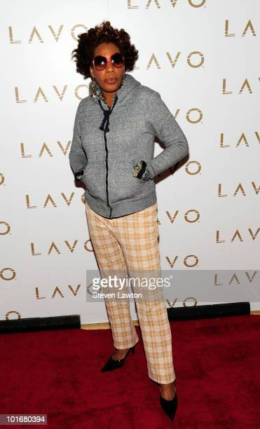 "Singer Macy Gray arrives to celebrate her new jewelry line ""Tres Glam"" at Lavo on June 6, 2010 in Las Vegas, Nevada."
