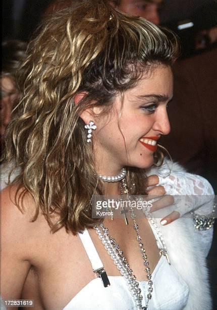 Singer Madonna 1987