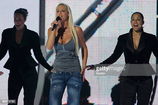 Singer Malena Ernman of Sweden performs during the second rehearsals for the Eurovision Song Contest 2009 on May 7 2009 in Moscow Russia The Final of...