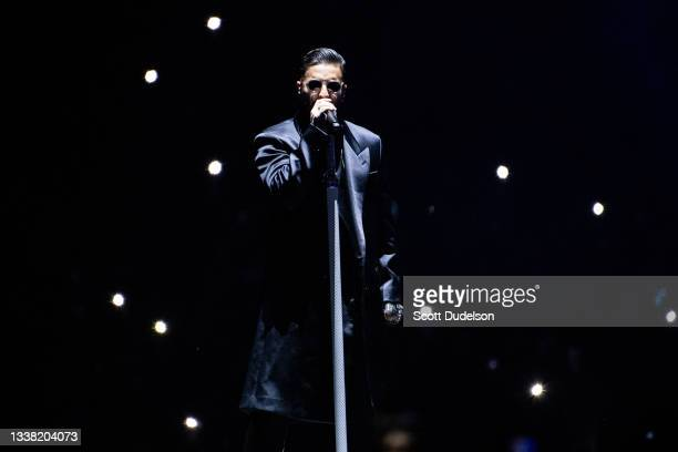 Singer Maluma performs onstage during the 'Papi Juancho' tour at The Forum on September 03, 2021 in Inglewood, California.
