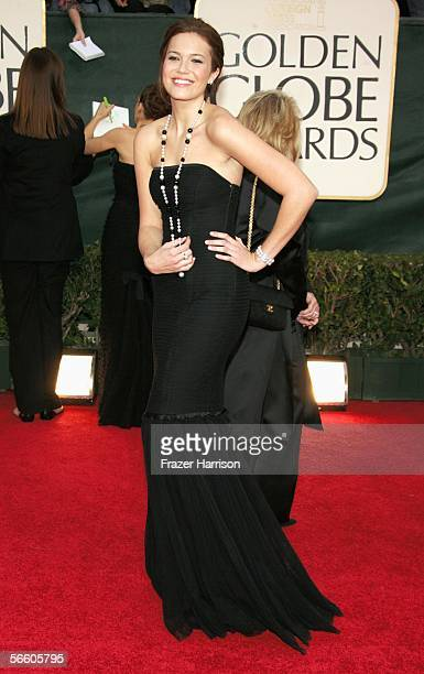 Singer Mandy Moore arrives to the 63rd Annual Golden Globe Awards at the Beverly Hilton on January 16 2006 in Beverly Hills California