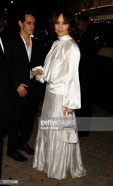 Singer Marc Anthony and actress Jennifer Lopez arrive at the Columbia Pictures' World premiere of 'Pursuit of Happyness' at the Mann Village Theatre...