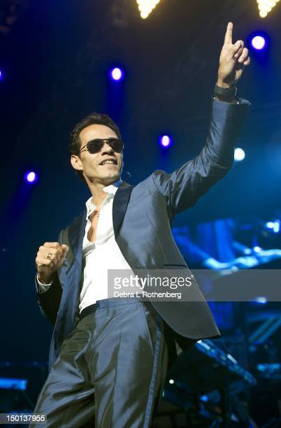 Singer Marc Anthony performs at Izod Center on August 10, 2012 in East Rutherford, New Jersey.