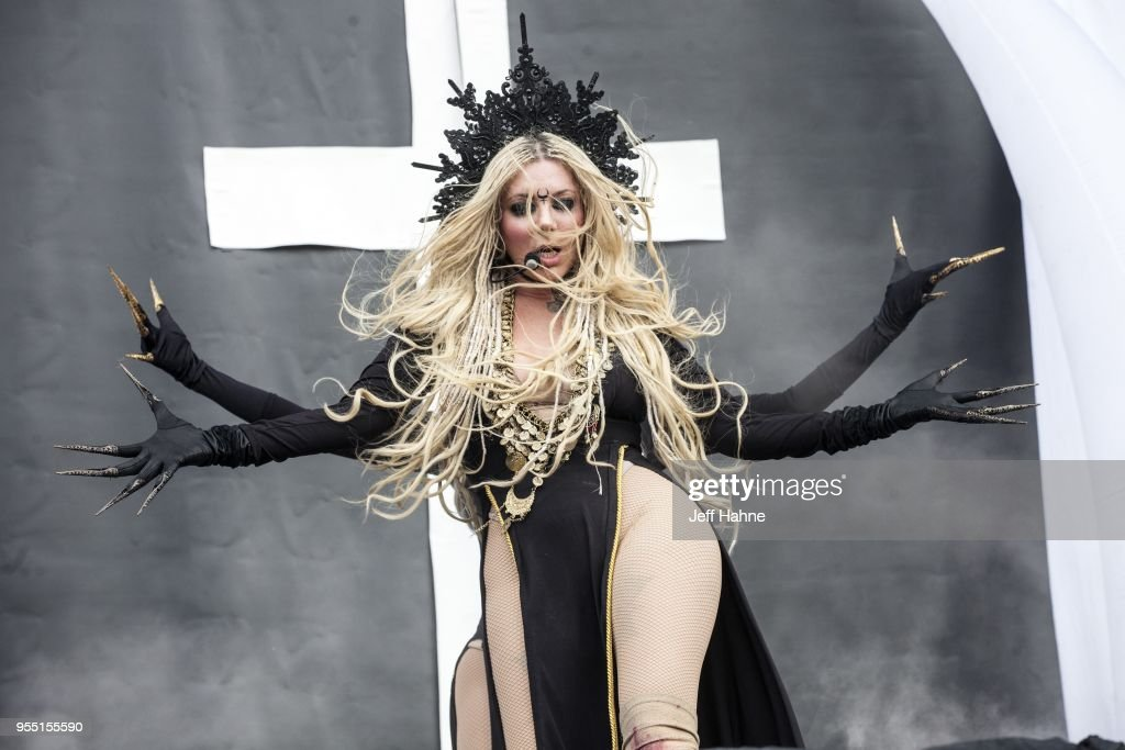 singer-maria-brink-of-in-this-moment-per