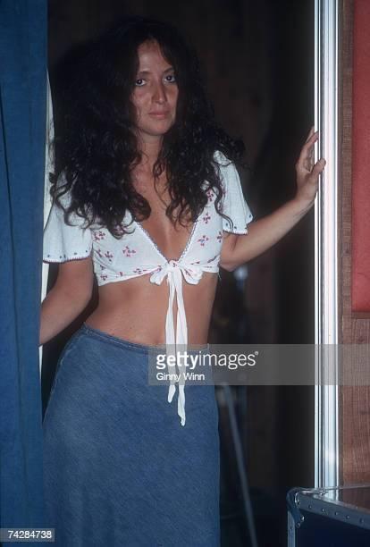 Singer Maria Muldaur prepares poses for a portrait in circa 1974