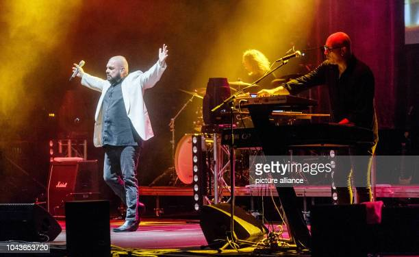 Singer Marian Gold from the band Alphaville performing in Hamburg Germany 05 March 2017 Photo Markus Scholz/dpa | usage worldwide