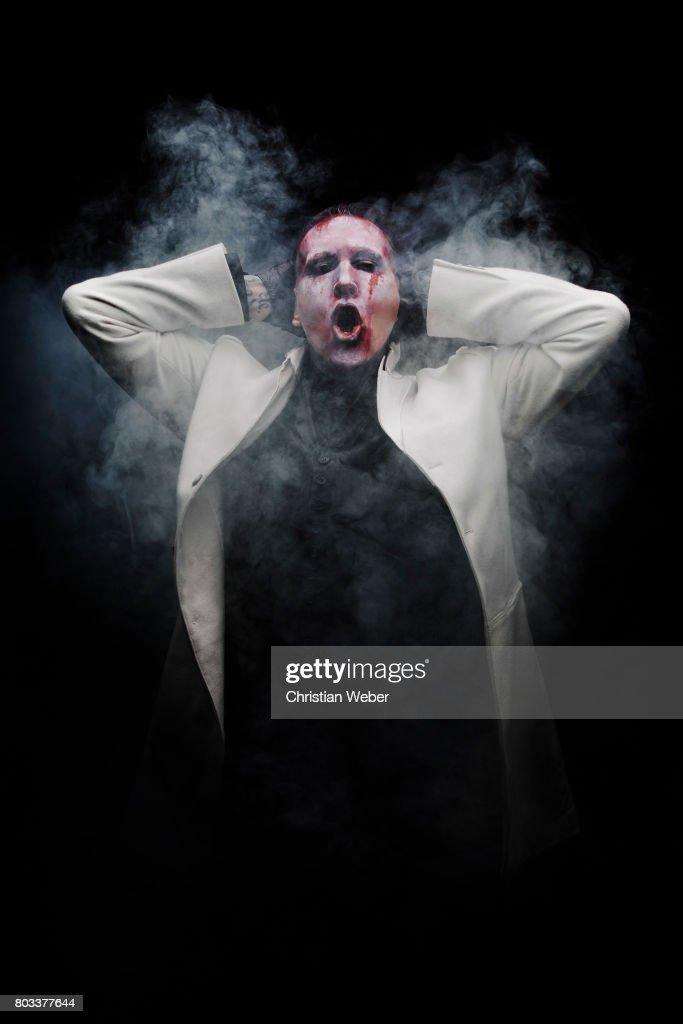 Marilyn Manson, Details, December 2015