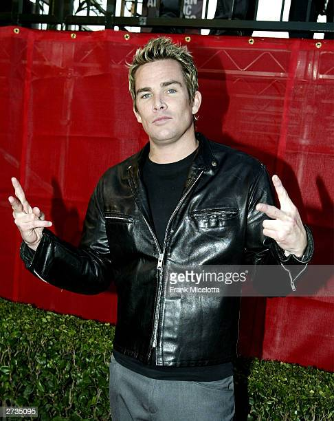 Singer Mark McGrath attends the 31st Annual American Music Awards at The Shrine Auditorium November 16, 2003 in Los Angeles, California.