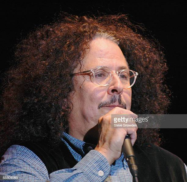 Singer Mark Volman of the 1960's poprock group The Turtles performs at Route 66 Casino Legends Theater on July 30 2005 in Albuquerque New Mexico The...