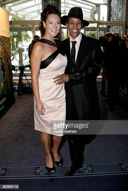Singer Marla Glen and wife Sabrina Conley attend the 'UNICEFGala' at Park Hotel on September 5 2009 in Bremen Germany