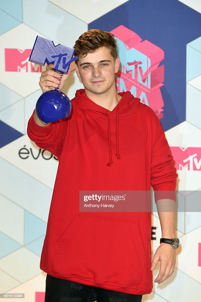 Singer Martin Garrix poses in the winner's room after receiving the Best World Stage award during the MTV Europe Music Awards 2016 on November 6, 2016 in Rotterdam, Netherlands.