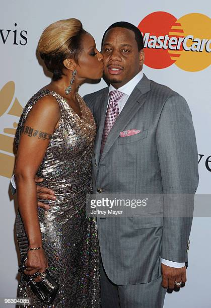 Singer Mary J Blige and husband Kendu Isaacs arrive at the 2010 PreGrammy Gala Salute To Industry Icons at Beverly Hills Hilton on January 30 2010 in...
