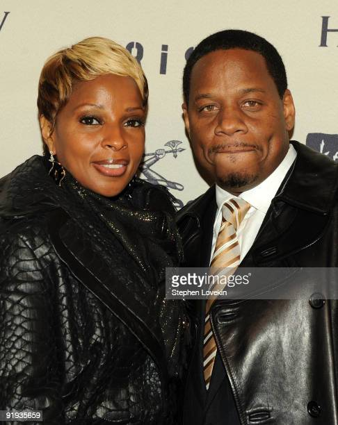 Singer Mary J Blige and husband Kendu Isaacs attend Keep A Child Alive's 6th Annual Black Ball at Hammerstein Ballroom on October 15 2009 in New York...