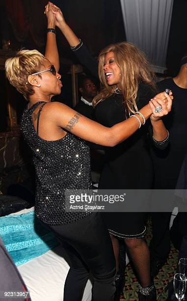 """Singer Mary J. Blige and Wendy Williams attend the 30th Birthday Bash """"Cold as Ice"""" at Cipriani 42nd Street on October 17, 2009 in New York City."""