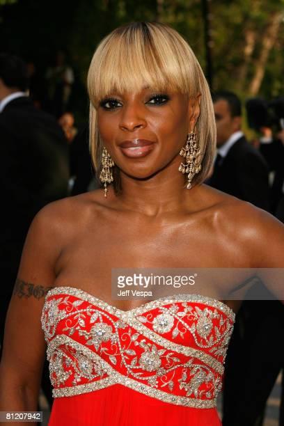 Singer Mary J. Blige arrives at amfAR's Cinema Against AIDS 2008 benefit held at Le Moulin de Mougins during the 61st International Cannes Film...
